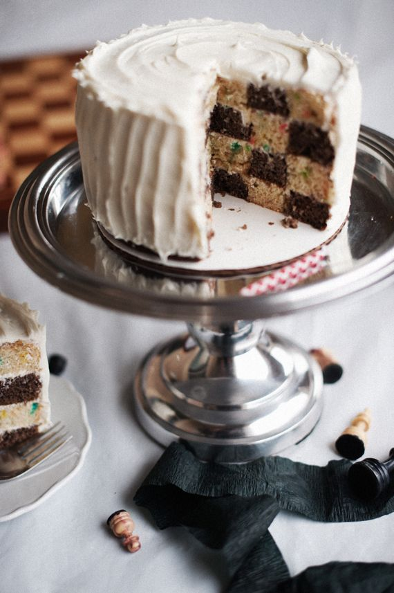 I'm so impressed by this Checkerboard Cake from A Subtle Revelry. And I might be crazy, but it doesn't look that much more difficult than a layer cake. Click through for the step-by-step instructions.