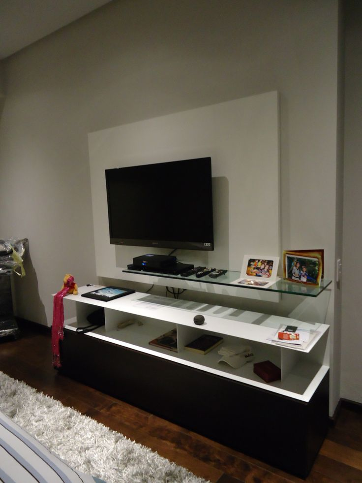 Mueble de television en la recamara principal