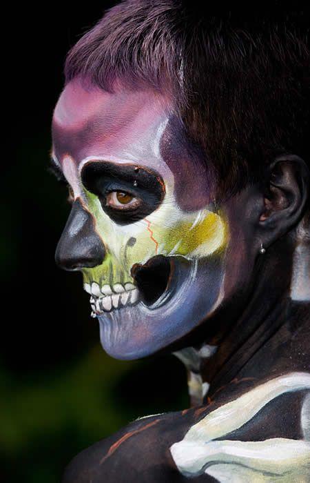 15 Amazing Body Paintings - Oddee.com (women body paintings, girls body paintings)