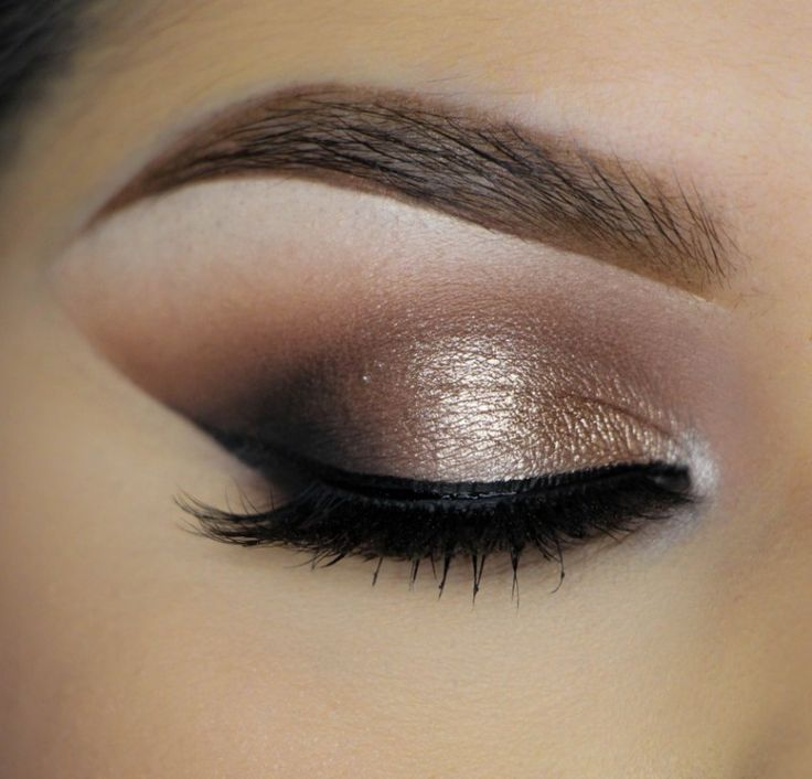 Bronze eye shadow + smoked out wing.