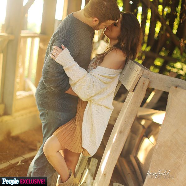 """(Cousin) Amy Duggar and Dillon King's Engagement Photos 08/16/2015. Their upcoming wedding will take place in less than a month over Labor Day weekend. """"All of the younger girls are my flower girls,"""" Amy says of cousins Mackynzie, Jordan, Josie, Jennifer and Johanna Duggar. """"They're going to be ringing bells and saying, 'The bride is coming, the bride is coming!' """" (2/7) #PeopleMag #Duggars #Kings #19KidsAndCounting"""