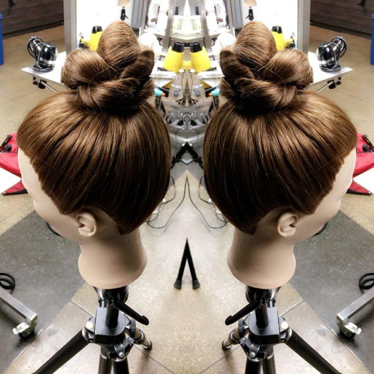 Knot bun by Mckenzie at studio 9 salon