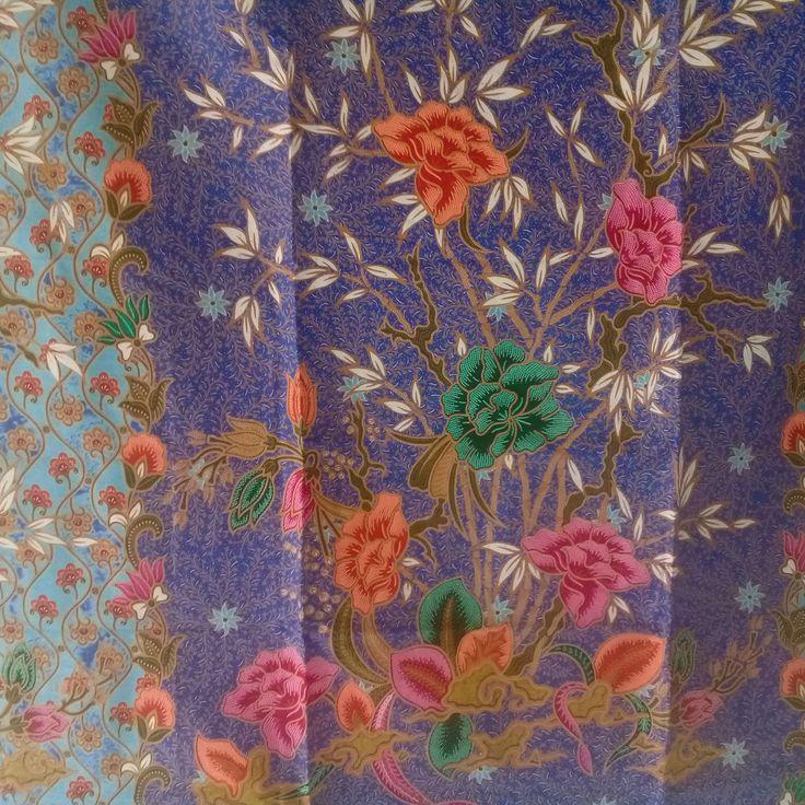 blue  flowers  pure cotton traditional Indonesian Batik style,batik sarong fabri…