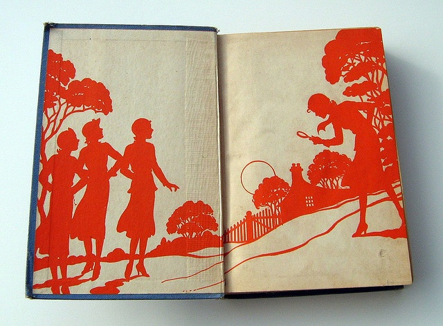 Gorgeous endpapers. From Finsbry's flickriver.