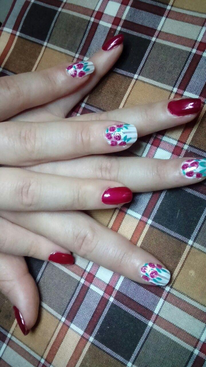 #nails #red #roses #nailart #uñas