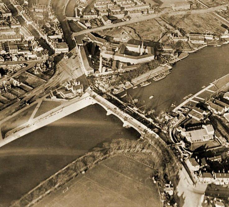 The widening of Trent Bridge, Nottingham, 1924.