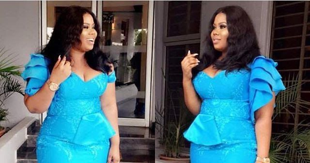 Creatively Stunning Aso Ebi Styles Inspiration 2018 for Beautiful Ladies #aso_ebi_gowns #aso_ebi_styles