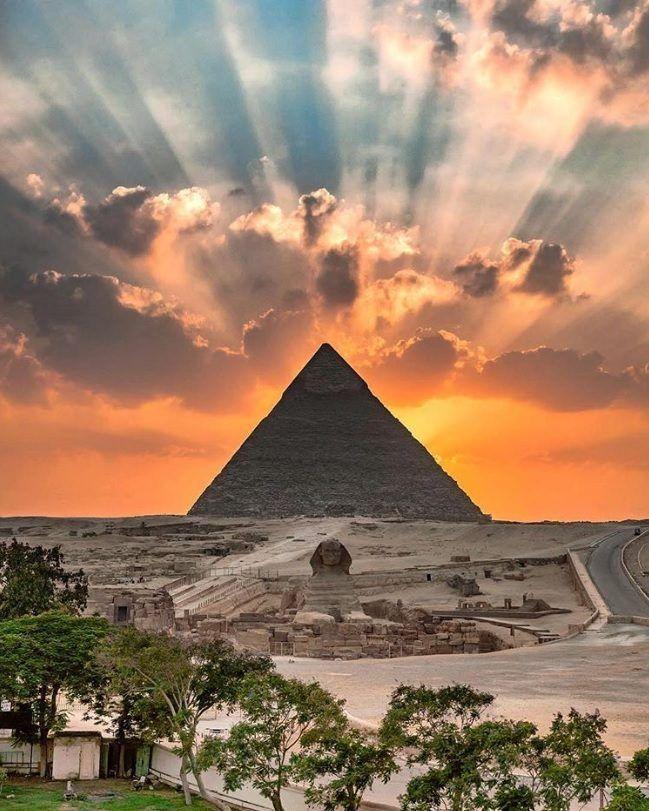 Картинки пирамиды в египте, цветами надписью