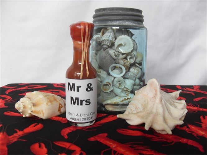 New orleans cajun style wedding personalized hot sauce favors