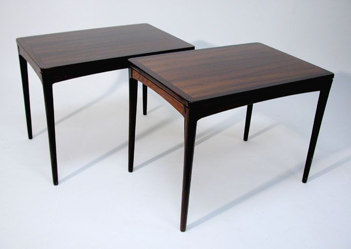 utopiaretromeodern.com - designer: Torbjørn Afdal, produsent: Haug Snekkeri, periode: 1965 c., Ett par kaffebord i palisander.