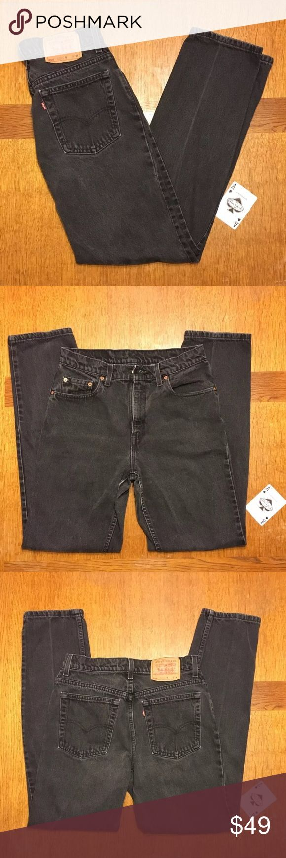 """Vtg Levi's 506 Reg Fit Straight Leg Jeans 10M #110 Vintage """"Made In The USA"""" Women's Levi's Reg Fit Straight Leg Black Jeans Size 10 Med.In Good Used Condition With Normal Wear-No Tears Or Stains.                               Measurements Laying Flat:                    Waist-29"""" Inseam-32"""" Hips-37"""" Thighs-18 Leg Opening-14"""" Levi's Jeans Straight Leg"""