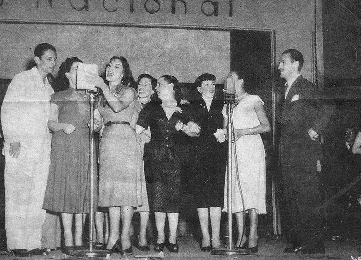 A partir de 1945, fez grande sucesso na rádio Nacional do Rio de Janeiro. Lançou grandes artistas como Eliminha e Marlene. O programa que levava seu nome era feito em um auditório para 600 lugares. Quando comemorou 10 anos, o programa mereceu uma festa na qual mais de 20 mil pessoas comparecem ao ginásio do Maracanãzinho.