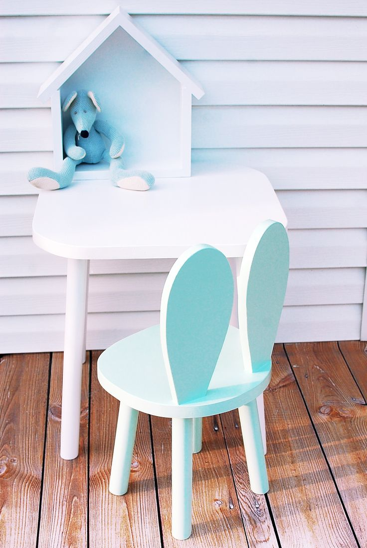 stolik 50 x 50 x 50 cm, wys. krzesła 60 cm