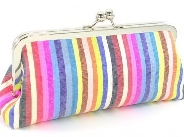 Okay, it's official.  I'm in love with Bagboy's clutches...I'd like one of each please. :)