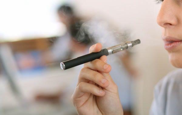 Estudo japonês confirma presença de substâncias cancerígenas em cigarros eletrônicos - http://projac.com.br/saude/estudo-japones-confirma-presenca-de-substancias-cancerigenas-em-cigarros-eletronicos.html
