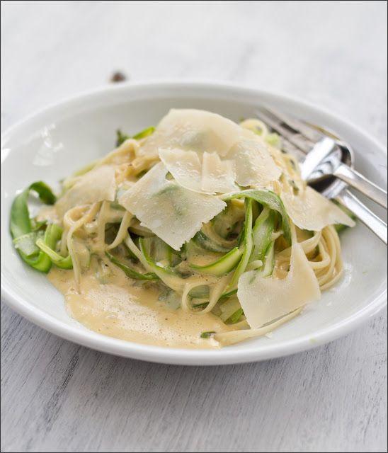 moey's kitchen: Linguine mit grünem Spargel und Parmesansauce