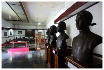 Boedi Oetomo telah meletakkan fondasi kepemimpinan awal dalam pergerakan melawan penjajahan di Indonesia. Apa sajakah itu?