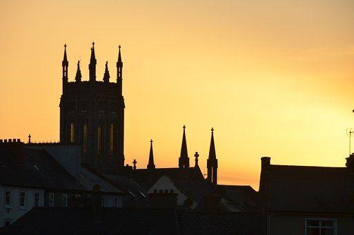 #Írország #utazás #utazás2016 #utazzvelünk #utaznijó #nyaralás #pihenés #városnézés #kultúra #Dublinvárosnézés #Wicklow #Glendalough #Kilkenny #RockofCashel #írkörút #Midleton #RingofKerry #Bunrattyvár #moher #Burren #Connemara #Sligo #Gleaneaghnemzetipark #Derry/Londonderry #Giant'sCauseway #Belfast #yourways www.yourways.hu