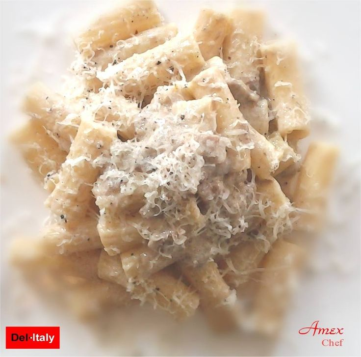 Rigatoni porcini e caciotta al tartufo. Rigatoni caciotta borowików i trufle. Rigatoni Caciotta porcini and truffles. - Chiedi la ricetta! zapytać o przepis! ask for the recipe! info@del-italy.com www.del-italy.com