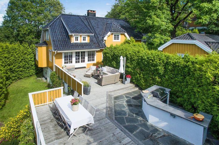 FINN – Jar - Flott herskapelig enebolig med dobbelgarasje - Solrik stor terrasse…
