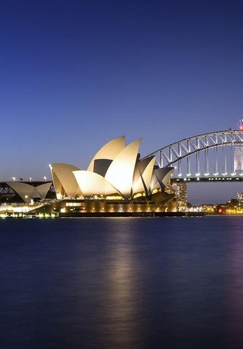 : Sydney Harbour (by steluckett)