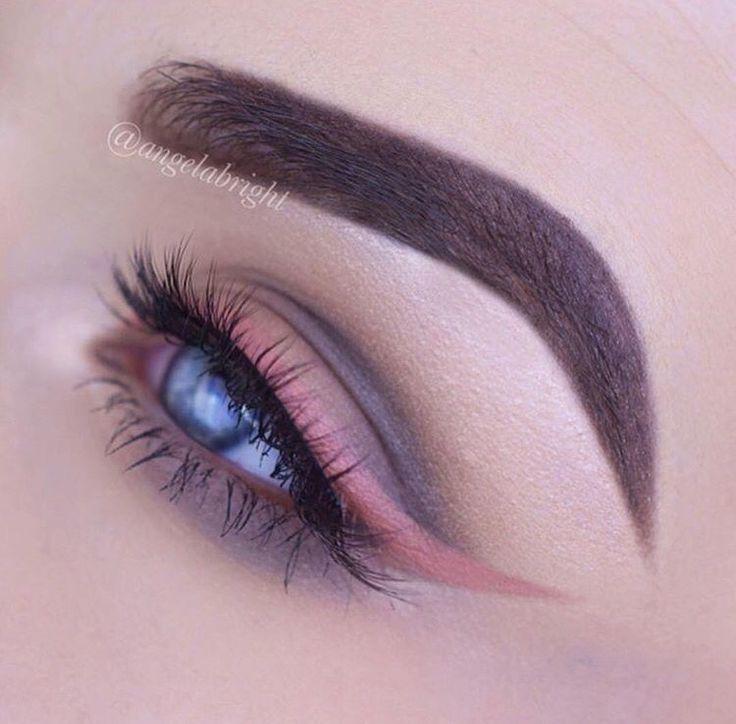 "Liquid lipstick ""Mannequin"" as an eyeliner. Jeffree Star. // Patrizia Conde"