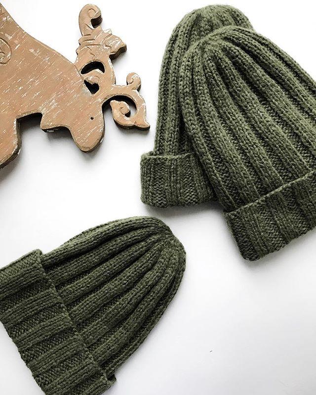 """WEBSTA @ knitwear_studios - На шапочки цвета """"хаки"""" из нежной шерсти бейби альпаки сейчас действует скидка 30%Отличный подарок другу или подругеЦена: 1960₽#knitwear_studios"""