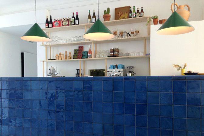 Bongo in Marseille. Monochrome tile counter bar.