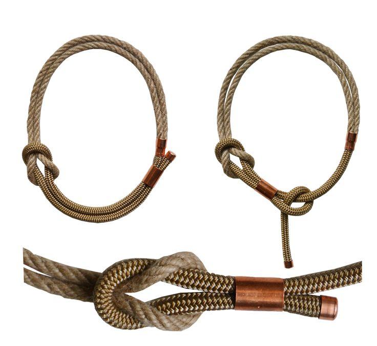 Collana in corda grezza e corda color canapa.  Finiture in rame,  Nodo con corda canapa scorrevole, lunghezza e modello regolabile.