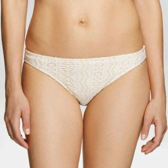 Cream Bikini Bottom Gently used and in good condition! Xhilaration Swim Bikinis