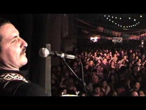 Banda Conmoción es una banda musical chilena. Mezcla la cumbia junto con otros ritmos populares como el ska, tinku, cha cha cha, porro, cuyahuadas, vals, música gitana, etc