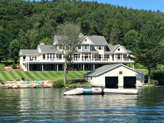 22 Lakeview Landing Ln Center Harbor, NH 03226
