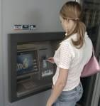 Sfat pentru retragerea forţată a banilor din bancomat