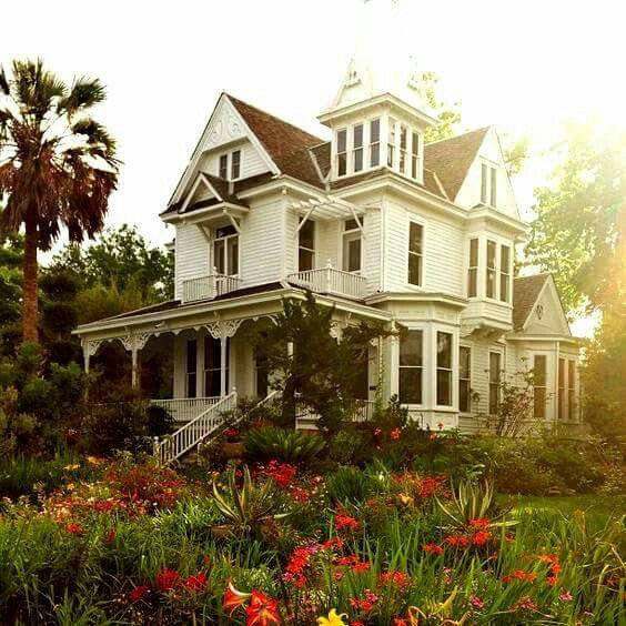 30 Gorgeous Farmhouse Front Porch Design Ideas Freshouz Com: 69 Best Victorian Porch Designs Images On Pinterest