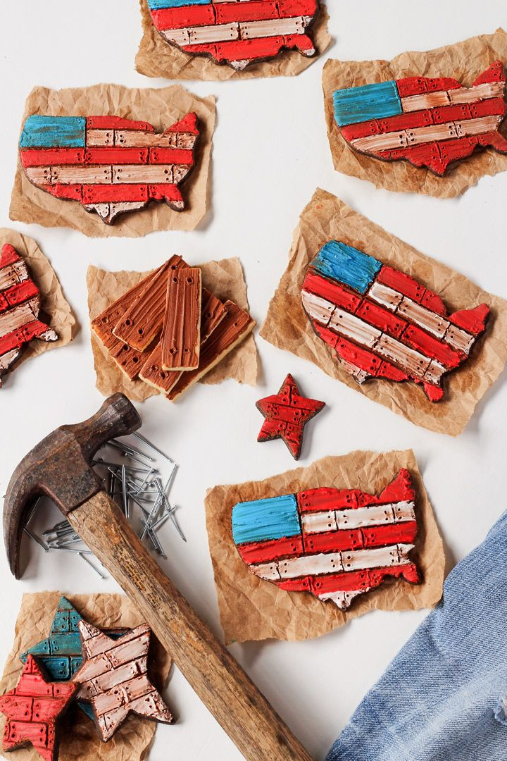 Follow this simple step by step tutorial and video to make these rustic American Flag Cookies. They're sugar cookies decorated with royal icing.