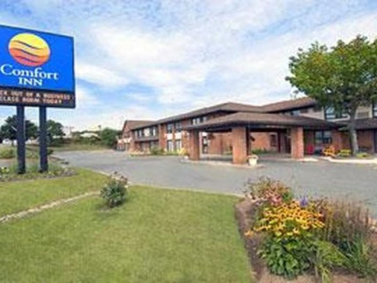 Dartmouth (NS) Comfort Inn Canada, North America The 2-star Comfort Inn offers comfort and convenience whether you're on business or holiday in Dartmouth (NS). The hotel offers a high standard of service and amenities to suit the individual needs of all travelers. Take advantage of the hotel's free Wi-Fi in all rooms, Wi-Fi in public areas. All rooms are designed and decorated to make guests feel right at home, and some rooms come with television LCD/plasma screen, internet ac...