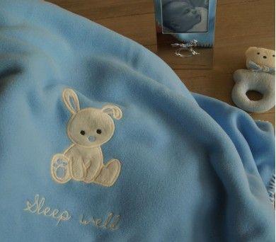 Tavşanlı Polar Battaniye Mavi Rengiyle tam erkek bebekler için :) http://www.kidomino.com/polar-battaniye11