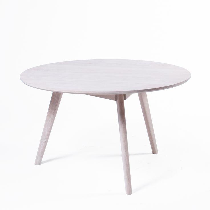 Nordik soffbord, vitoljad ek i gruppen Möbler / Bord / Soffbord hos RUM21.se (123812)