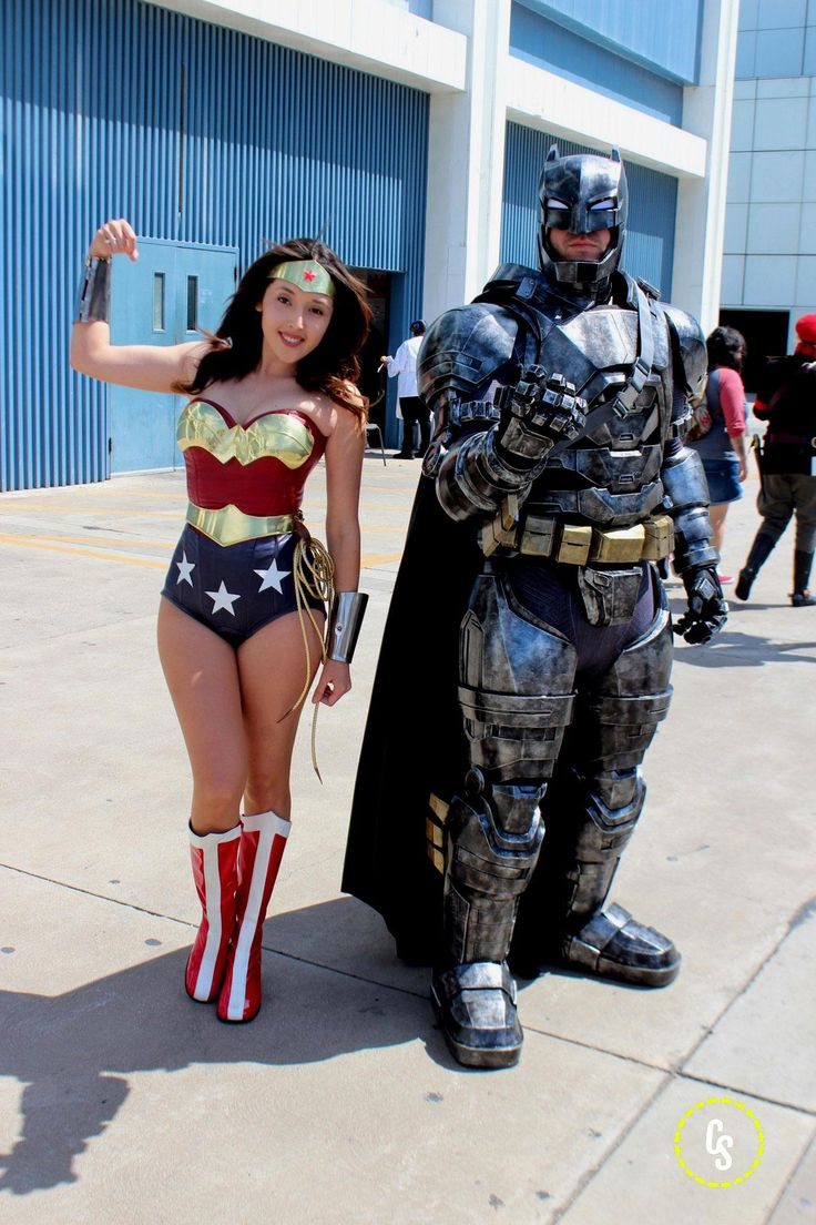 cosplays batman wonder woman wonder con 2016