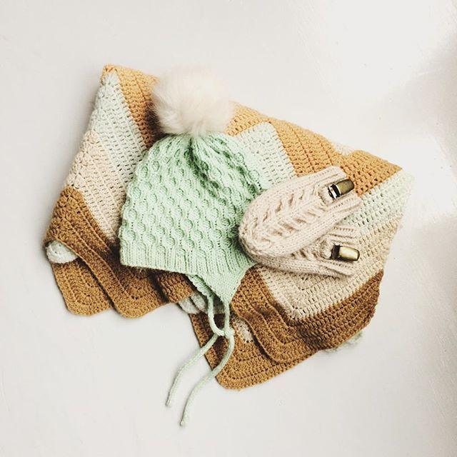 ☛ hverdagshelter { det fiiiine teppet er en gave fra min kreative venninne @melissairen 😘 }