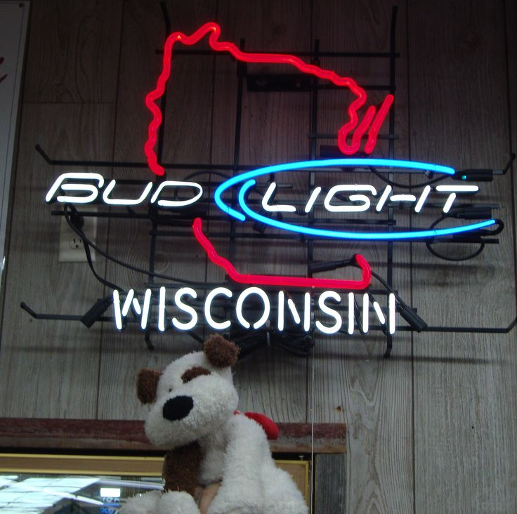 Rocco & Wisconsin neon sign