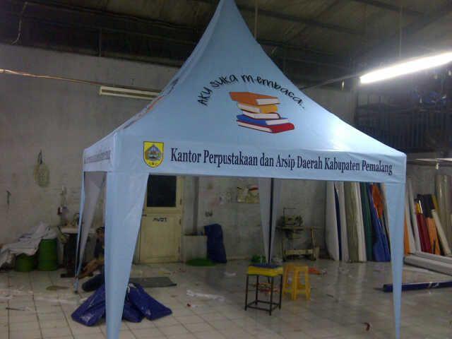 menjual aneka macam tenda pameran seperti tenda kerucut, sarnavile, gazebo. 021-51428773/081288987381 https://jualtendapameran.wordpress.com/