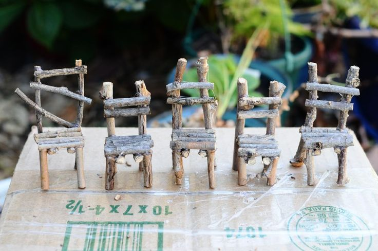 Twig Chairs for a Fairy Garden... (DIY) Really basic supplies and the directions are clear. Going to do this with my kids. :)