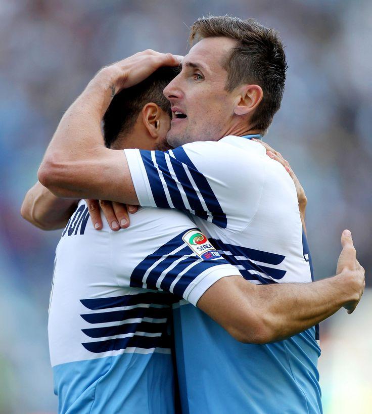 @Lazio Anderson e Klose si abbracciano #9ine