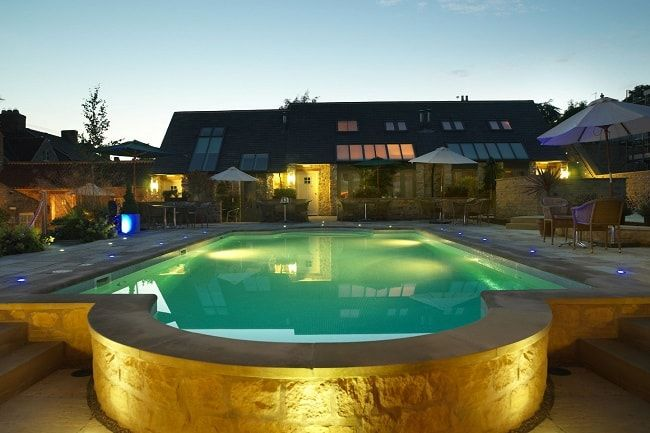 Experiencing both The Weathervane Restaurant and The Verbena Spa, we review the Feversham Arms hotel in Helmsley North Yorkshire.