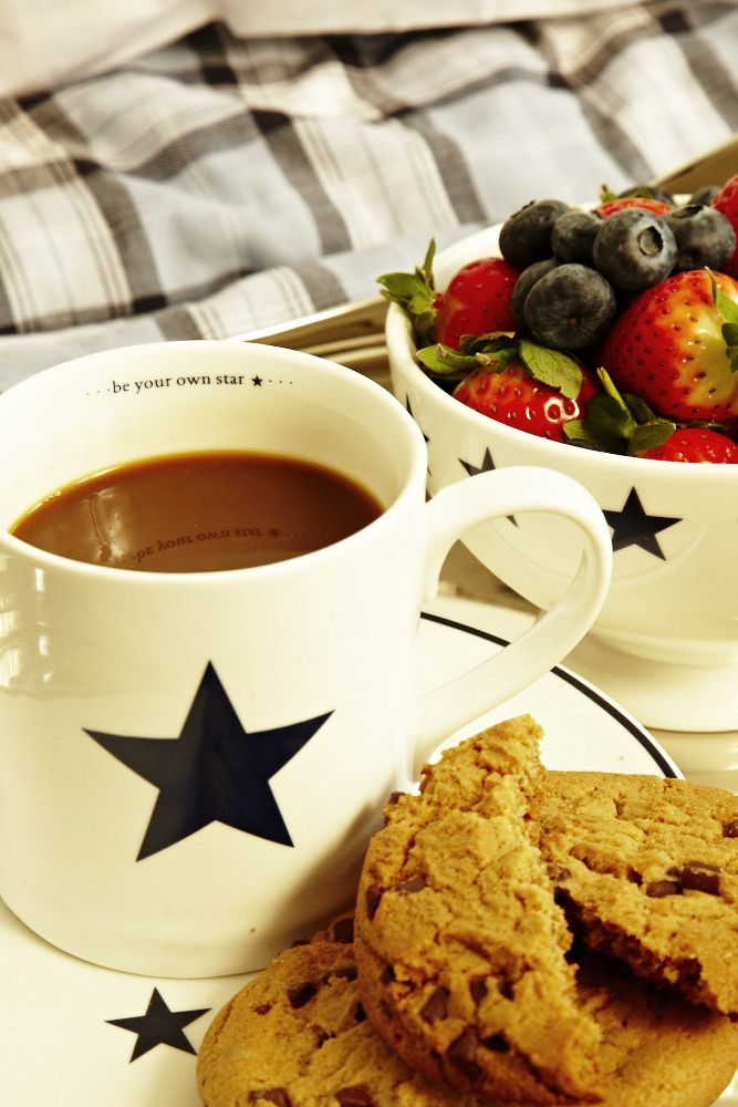 Start with a star! FLORENCE DESIGN star cups, bowls and plates in navy!