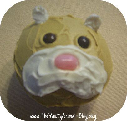 Absolutely Love this adorable and simple Hamster cupcake!!