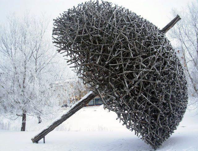 """Parasol"" (2012) - Willow sculpture by  Finnish sculptor and environment artist Jaakko Pernu"