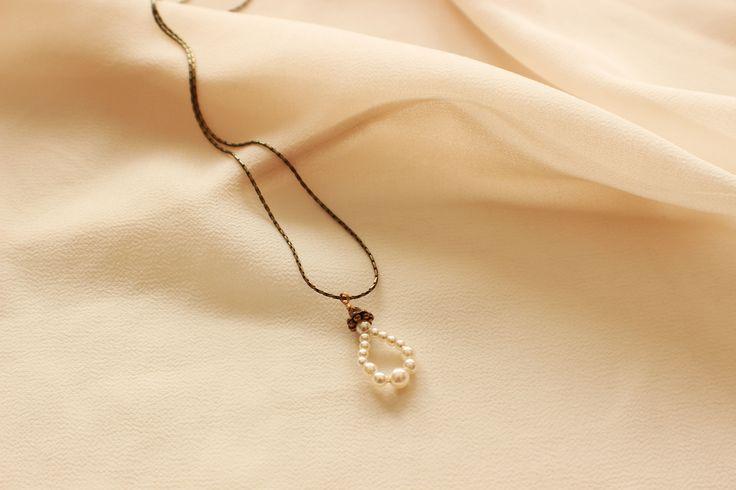 Glass Pearl Woodsprite Necklace - Bridal Jewelry, Wedding Jewelry, Bridesmaid Jewelry, Mother of the Bride jewelry http://www.robingoodfellowdesigns.com/woodsprite-necklaces/pearl-woodsprite-necklace