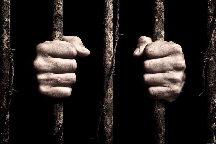 10 reasons why being in prison is better than working in an office